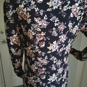 Forever 21 Dresses - Forever 21 black floral mini Dress